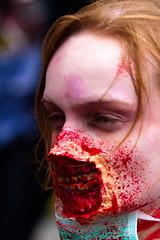 Zahnarzt - Dentist - Collateral damage (Traveller_40) Tags: zombiewalkmünchen2011 zombie zombiewalk zombiewalkmünchen untoter untote zahnarzt blut wunde collateraldamage damage gore blood bloody mundschutz moderio zombiewalkmunich fishhookrestraint doublefishhook mundspreizer mund hookclawmouthspreader ruhe maulsperre horror horrorshop undeadth dentist