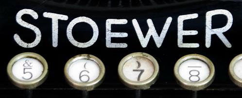 Stoewer Kleinschreibmaschine Logo