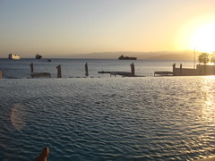 Aqaba (Mar Rojo) (morguix1) Tags: blue sunset sea vacation sun water mar redsea middleeast jordan aqaba jordania marrojo