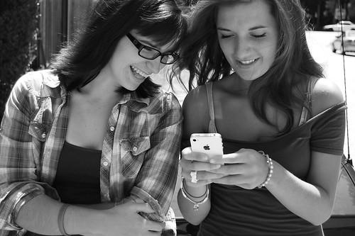 sexting_living_830_brendanmills_02bw