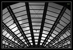 Roof Web (Noutyboy) Tags: roof bw white black holland netherlands monochrome shop clouds canon mall shopping eos spider europa europe utrecht geometry web nederland thenetherlands structure winkel zwart wit nieuwegein 550 cityplaza winkelcentrum benelux 550d eos550d