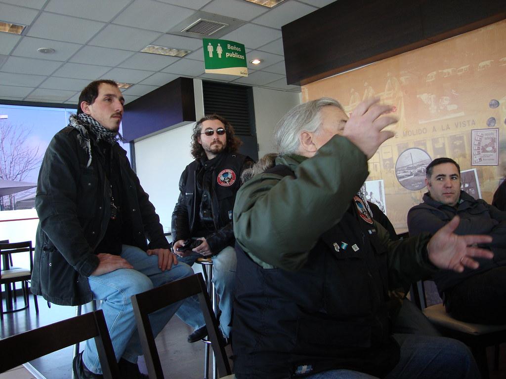 Imagenes de la Charla de Conduccion en Grupo y Contramanillar del 28/08/2011 6099883201_2e6748b9a4_b