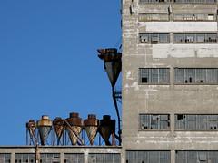 Bleu et rouille (Alex L'aventurier,) Tags: blue windows urban rust montréal quebec montreal bleu québec oldport vieuxport rouille urbain fenêtres