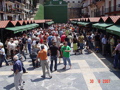 Foto general de la plaza Cardenal Orbe en la feria