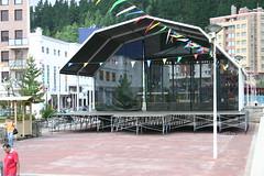 En el parque de San Pelayo, los preparativos necesarios para el concierto de Lokillo