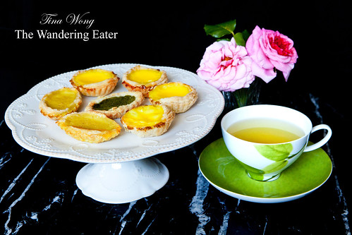 Homemade egg tarts (dan tats; 蛋撻) with oolong tea (烏龍茶)