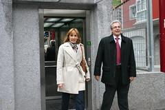Diferentes miembros del Ayuntamiento de Ermua en la visita al nuevo vial de Abeletxe