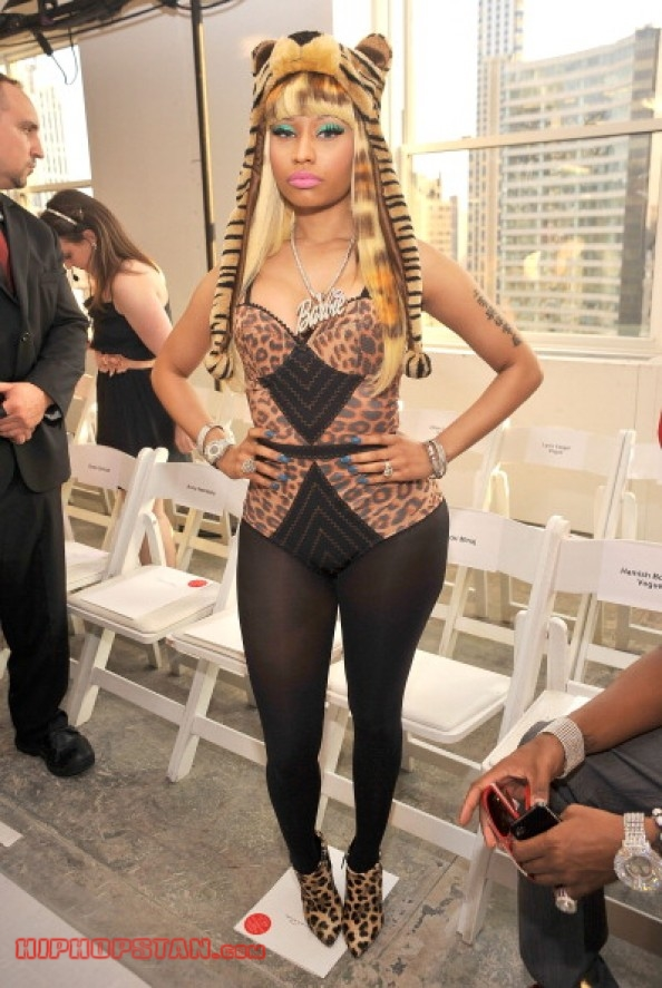 Nicki-Minaj-Animal-Print-Outfit (12)