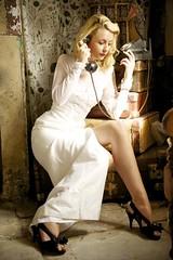 [フリー画像] 人物, 女性, ドレス, 金髪・ブロンド, 201108200300