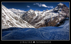 La Cordillera de Los Andes (TRUZNA) Tags: chile schnee winter mountain snow mountains textura ice luz beautiful berg canon landscape photography 22 is amazing scenery fotografie view hiking gorgeous nieve 4 hill 110 paisaje hills ixus textures cerro stunning vista invierno montaa cerros landschaft caracoles hielo hdr montain cordillera montaas wunderbar dazzling gebirge portillo losandes fotografa curva hgel paraje iluminacin cobertizo imponente sentinella cordilleradelosandes kaleidoscopio highdynamicrangerendering struzyna ko