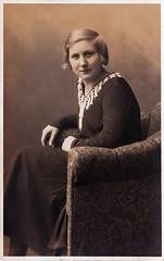 Ladies 21 (Frollein Eichblatt) Tags: old 1920s woman lady vintage thirties 1930s antique flapper twenties