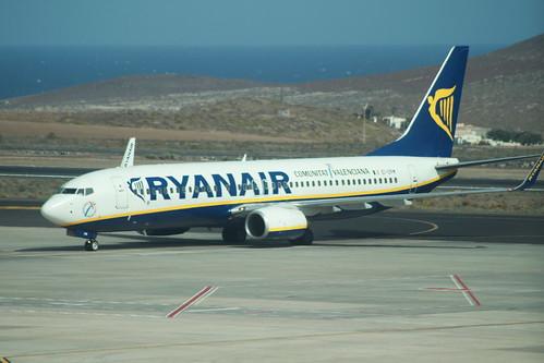 Ryanair Boeing 737-800 @ Tenerife Sur Airport