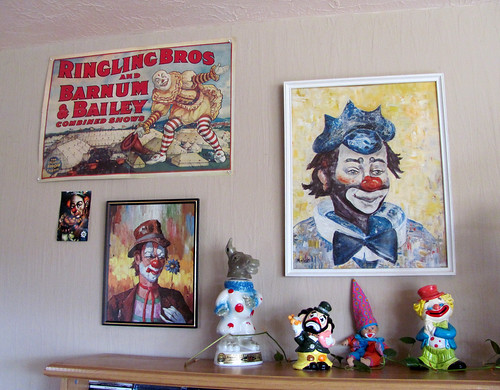 My clown collection takes shape...