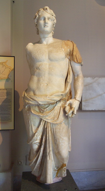 亞歷山大大帝立像