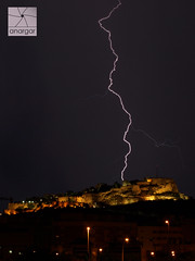 Tormenta en el Castillo de Santa Barbara (anargar) Tags: santa espaa storm castle night photo spain foto cara picture olympus alicante barbara tormenta nocturna lightning castillo moro larga rayos exposicin e410 anargar