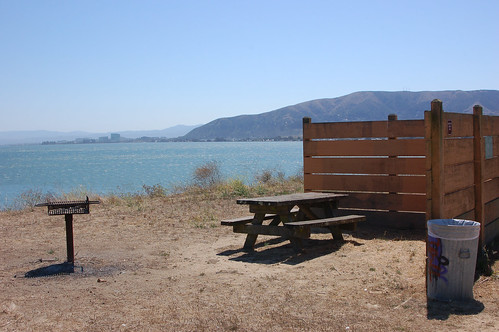7picnic site w:windbreak.jpg