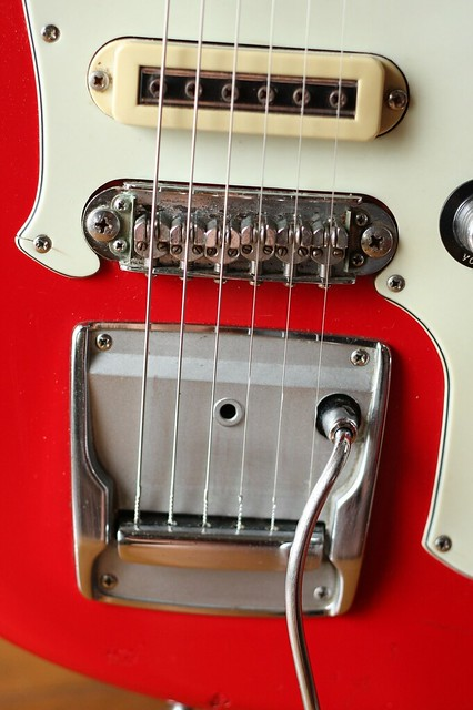Yamaha SG-2 Bridge and tremolo