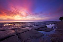 Dawn @Krabi, Thailand (ChR!s H@rR!0t) Tags: sea beach sunrise thailand fossil dawn sand krabi gastropodfossilsbeach