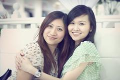 250*/365 :: Friendship (「my+」) Tags: selfportrait nature glamour nikon bokeh malaysia fullhouse 50mmf14 sunwaypyramid hbw d80 flickrsbest anawesomeshot 6milliondollarteam
