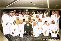 الأمير الوليد بن طلال يكرم فريق كرة اليد