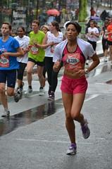 La Parisienne dition 2011 (La Pom ) Tags: 6 paris la basket 15 running course endurance km fond parisienne chaussure 2011 dossard