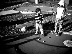 miniature golfing at golf n' stuff