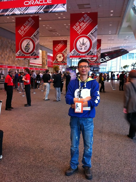 Me in OOW2011, Moscone West
