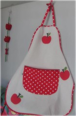 Avental Fofo ... (Joana Joaninha) Tags: home casa carinho avental cozinha maçã aplicação póa joanajoaninha hellennilce