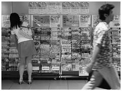 Stefan Hchst (It's Stefan) Tags: blackandwhite bw blancoynegro monochrome station japan reading tokyo noiretblanc shibuya newspapers biancoenero journals bookstall   siyahvebeyaz schwazweis  stefanhchst