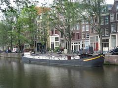 Amsterdam woonboot Geldersche Kade (Arthur-A) Tags: netherlands amsterdam boot boat ship nederland schip schepen