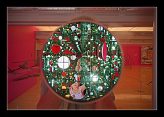 The infinite viewing machine; (Yoyoi Kusama) (MikeJDavis) Tags: sculpture art yayoikusama artfromart tateliverpool