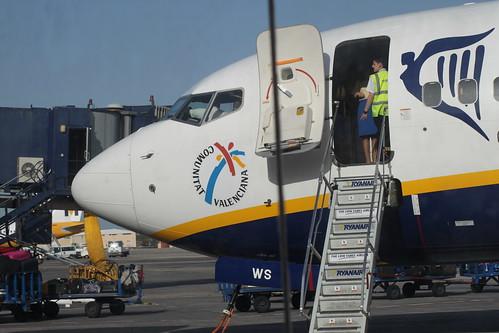 Ryanair Boeing 737-800 EI-DWS @ Tenerife Sur Airport