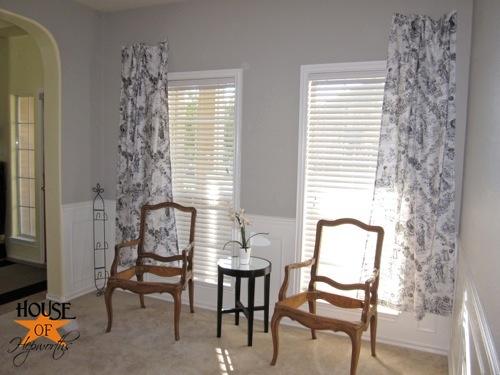 testing_black_white_curtains_piano_room_09