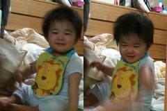 風呂上がり鏡遊びとらちゃん満一歳(2011/9/6)