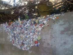 20% (de Muur van Geluk) Tags: denbosch shertogenbosch muur scherven geluk demuurvangeluk mozaiek
