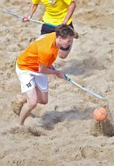 SCHEVENINGEN-BEACHHOCKEY- (Bovelander) Tags: beach hockey sport strand cool team mixed wind zee zomer stick bal spel zand beweging gemengd gezelligheid voeten zwaar hockeystick plezier bloot tribunes vermoeiend beachhockey blootvoets bovelander
