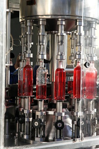 Bottling rosé at Carinae