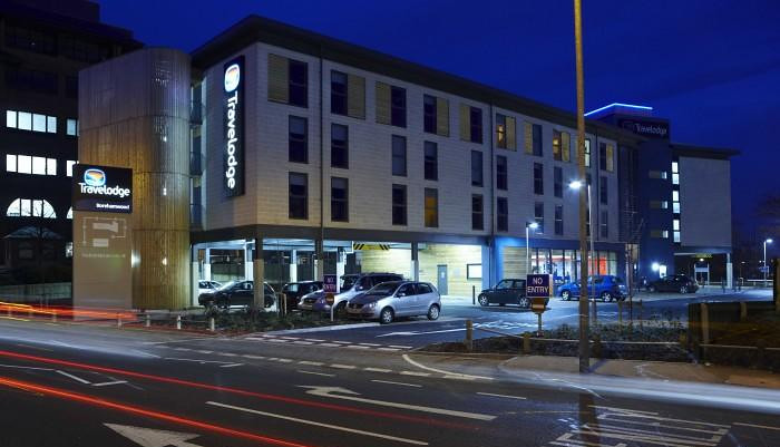 Travelodge Borehamwood Hotel at Night