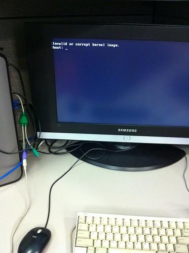 Invalid or corrupted kernel image.