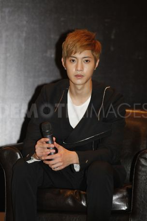 Kim Hyun Joong Break Down Press Conference and Malaysia KLIA Airport Photos [110820]