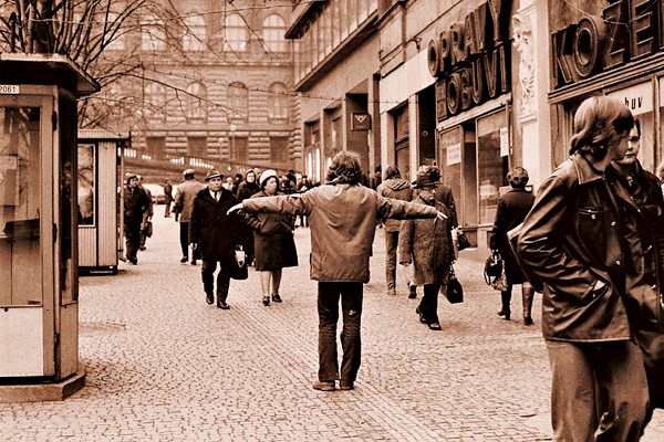 Jiří-Kovanda-Public-Intervention-Prague-1976