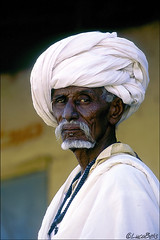 Pride and history (mistral-) Tags: world voyage africa trip travel vacation portrait holiday travelling tourism beautiful rural wonderful landscape countryside fantastic nikon tour place awesome sightseeing visit location adventure journey stunning destination sight exploration viaggio breathtaking immagine belis photography man lucabelis sudan caboshia pride