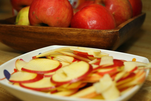 apples for spiced apple pie cake