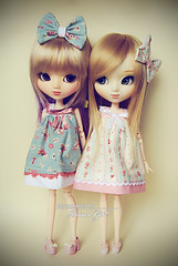Girls love cute dresses  (-Poison Girl-) Tags: new white hair fan doll dolls eyelashes pale dresses wig blonde groove ribbon pullip miki pullips poisongirl inoue xiaofan junplanning papin rewigged obitsubody pullippapin sbhm sbhl pullipxiaofan