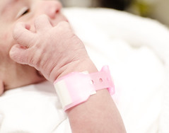 (Ebtesam.) Tags: baby girl newborn saudi arabia jeddah saudiarabia kingdomofsaudiarabia ebtesam