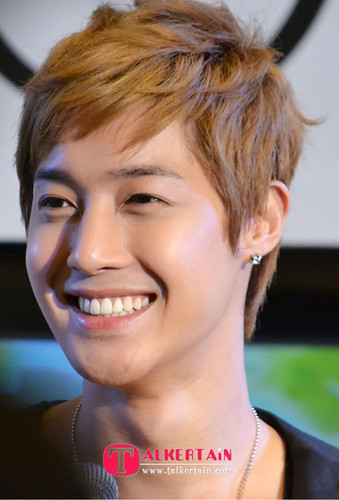 Kim Hyun Joong TFS Fanmeet and Press Conference in Thailand [110824]