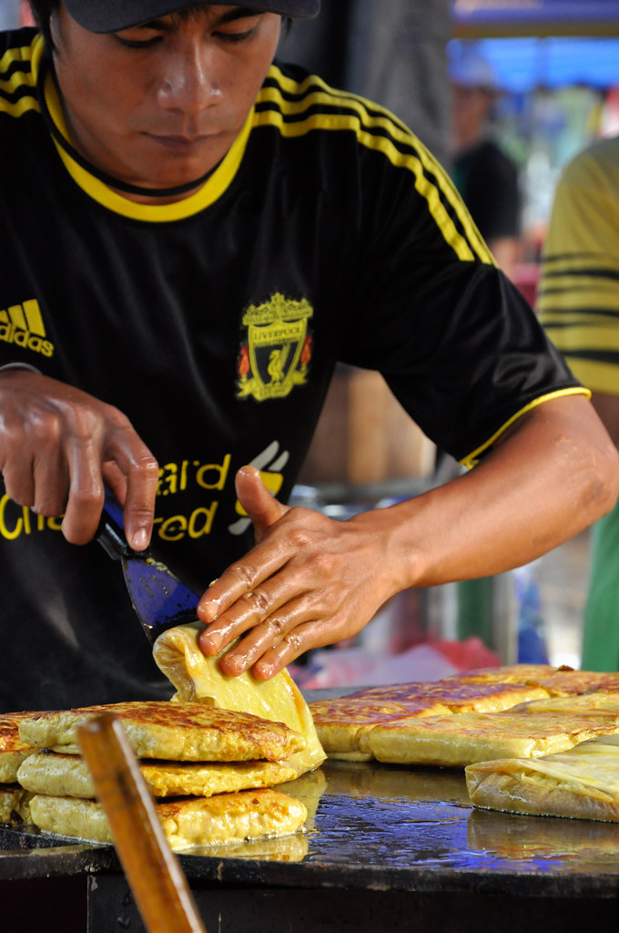 """Murtabak """"Pancake"""" filled with egg and small chunks of meat 鸡肉卷餅 ..."""