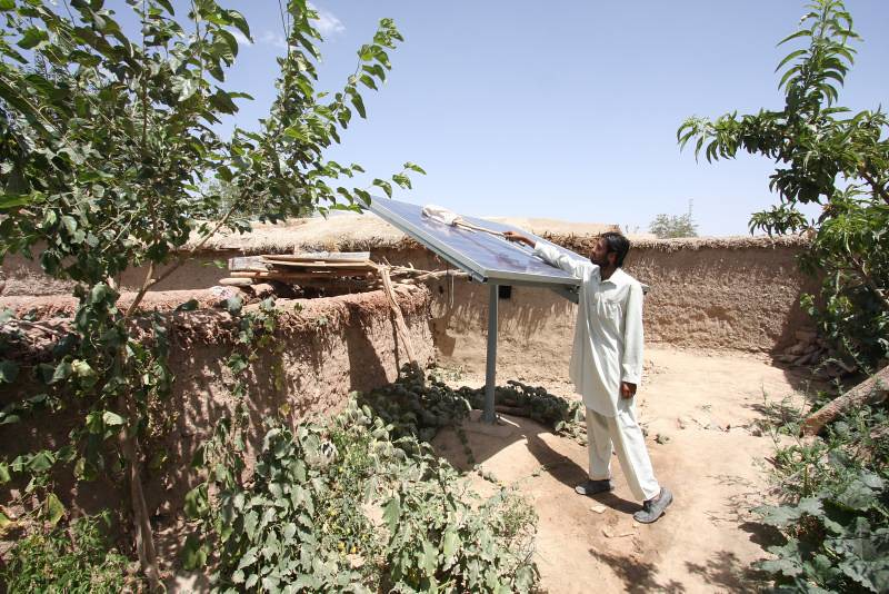 UNHCR News Story: Pakistan helping communities that have hosted Afghan refugees