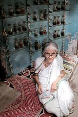 India Views (Gusulabu) Tags: travel portrait india canon retrato textures varanasi hindu dragan oldmen benares ancianos draganizer
