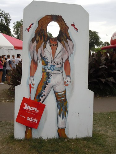 08-27-11 MN State Fair (Jack-FM Dee Snider Photo Cut-Out)